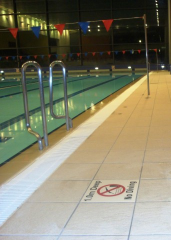 The Venue Swimming Pool, Borehamwood, Interior, No Diving Sign Position