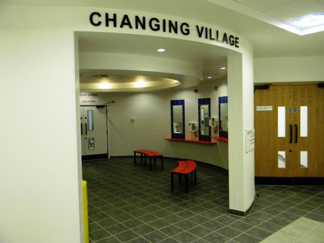 Garons Pool - Changing Village Grooming Area