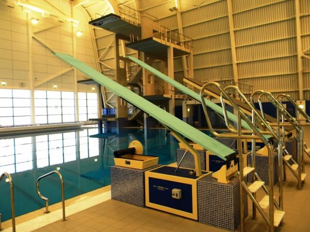 Garons Pool - Dive Boards