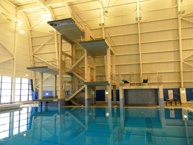 Garons Pool - Dive Tower