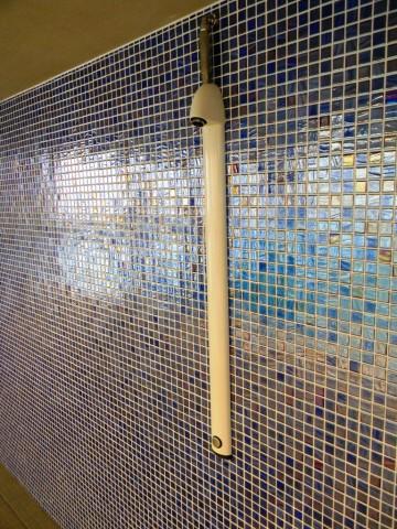 Garons Pool - Dive Tower Shower Detail