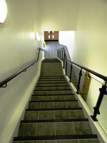 Garons Pool - Staircase