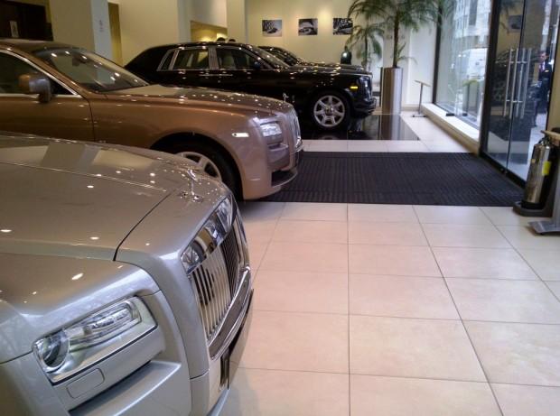 H R Owen Rolls Royce Berkeley Square Showroom Entrance