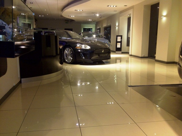Stratstone Jaguar Showroom Mayfair 4