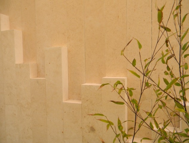 21 Station Road, Cambridge - External Limestone Feature Wall detail2