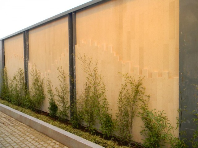 21 Station Road, Cambridge - External Limestone Feature Wall 2