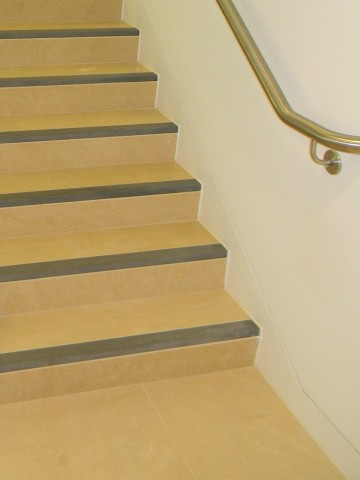 21 Station Road, Cambridge - Limestone Staircase Treads & Riser detail